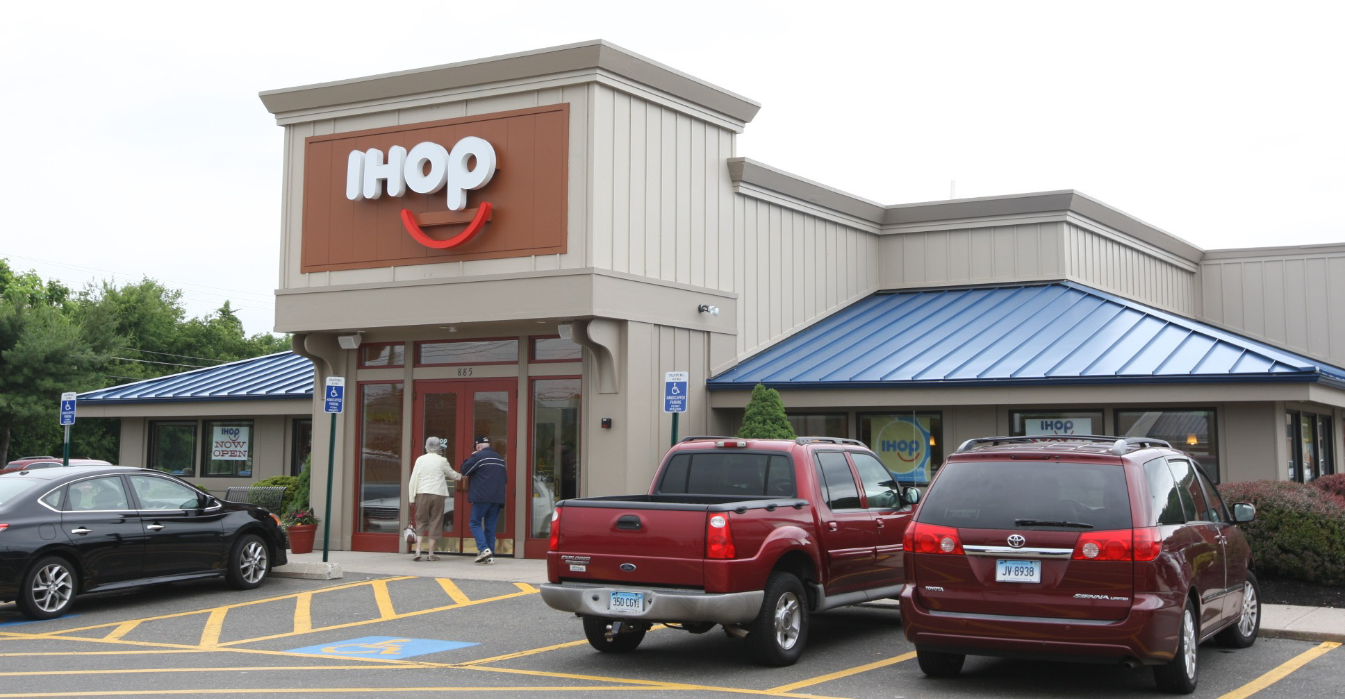 The new IHOP location on Queen Street in Southington June 16, 2015. | Dave Zajac/Record-Journal