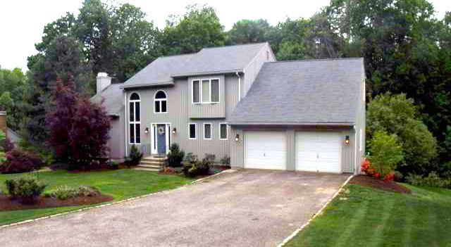 Martin A. Albano and Mary A. Albano to Justin Schlauder and Amy Sowitcky, 245 Rockwood Drive, $457,500.