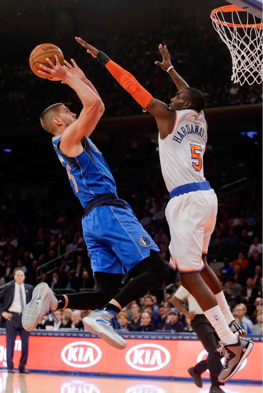 new york � tyson chandler had three dunks during dallas