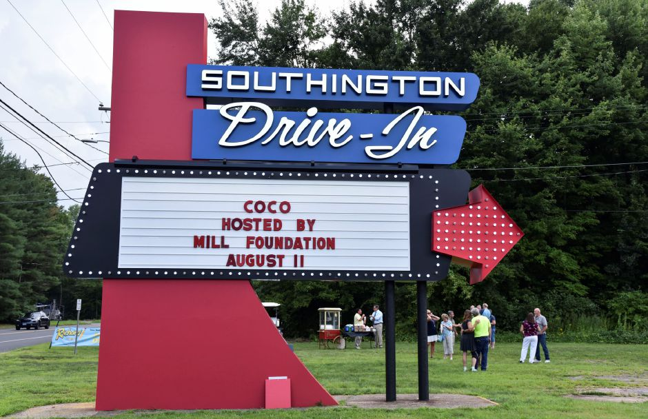 The Southington Drive-In committee hosted a ribbon-cutting for the drive-in