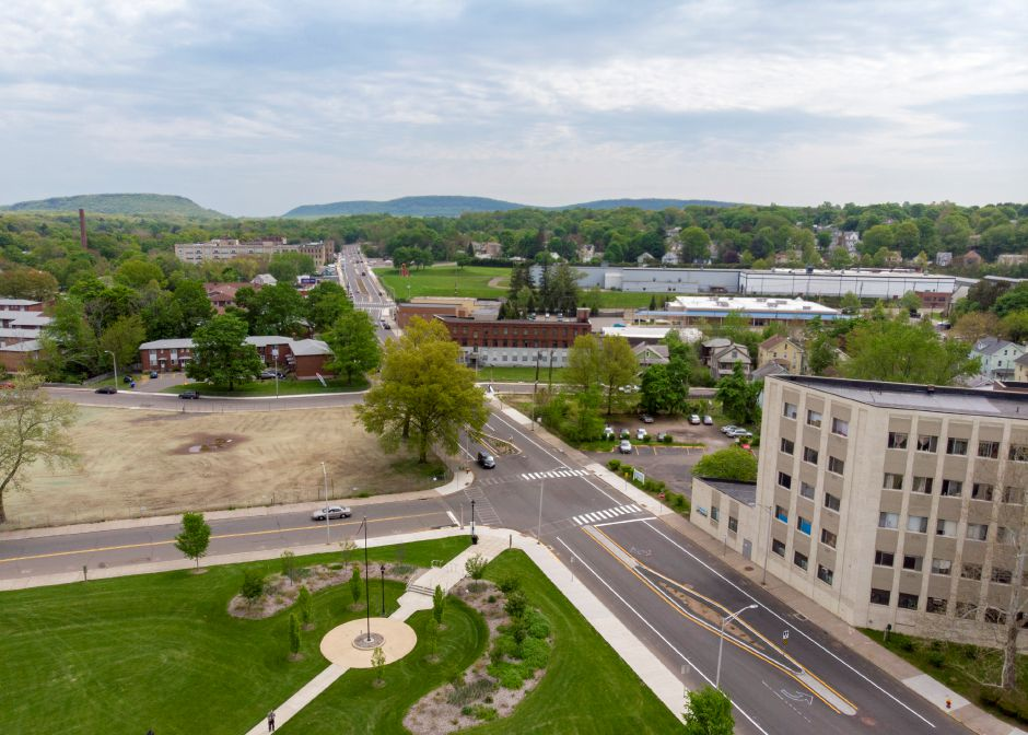 A look down Pratt Street in Meriden near the Meriden Green looking north May 17, 2019. The area across the street from the green used to contain the Mills Memorial Apartment complex. | Richie Rathsack, Record-Journal