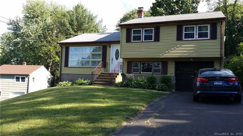 Lidia Sorenson and Christopher Sorenson to John Banziruk, 48 Dee Ave., $150,000.