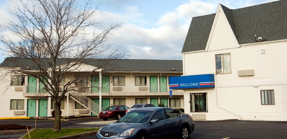 Motel 6 on Queen Street in Southington, Wednesday, December 19, 2012. (Dave Zajac/Record-Journal)