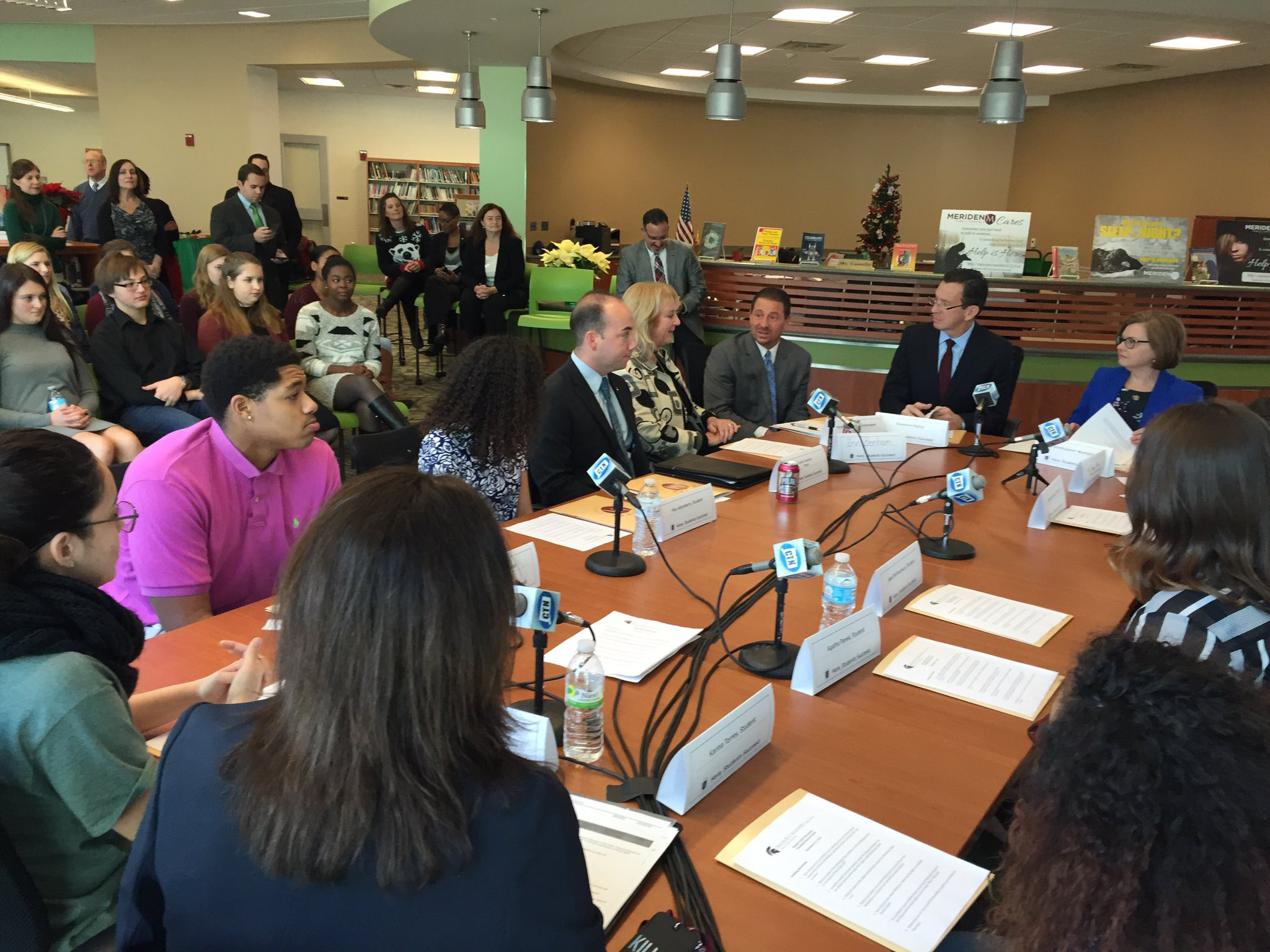 Gov. Dannel P. Malloy, state and local officials discuss youth homelessness with students at Maloney High School during a roundtable discussion Wednesday. | Courtesy of state Department of Education