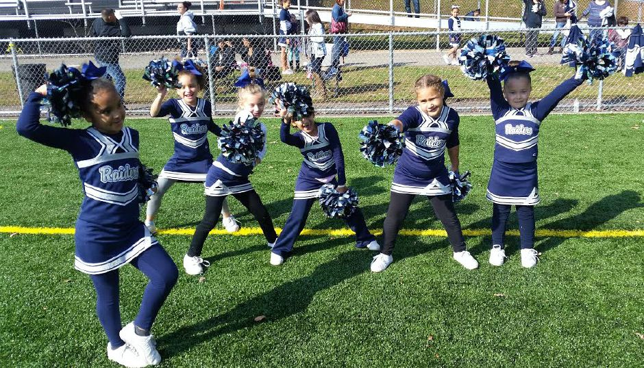 The 2016 Meriden Raiders cheerleading team.