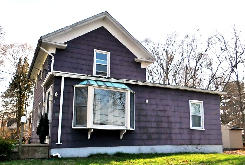 House on a Hill LLC to Andrew Drake, 42 Meadow St., $195,600.