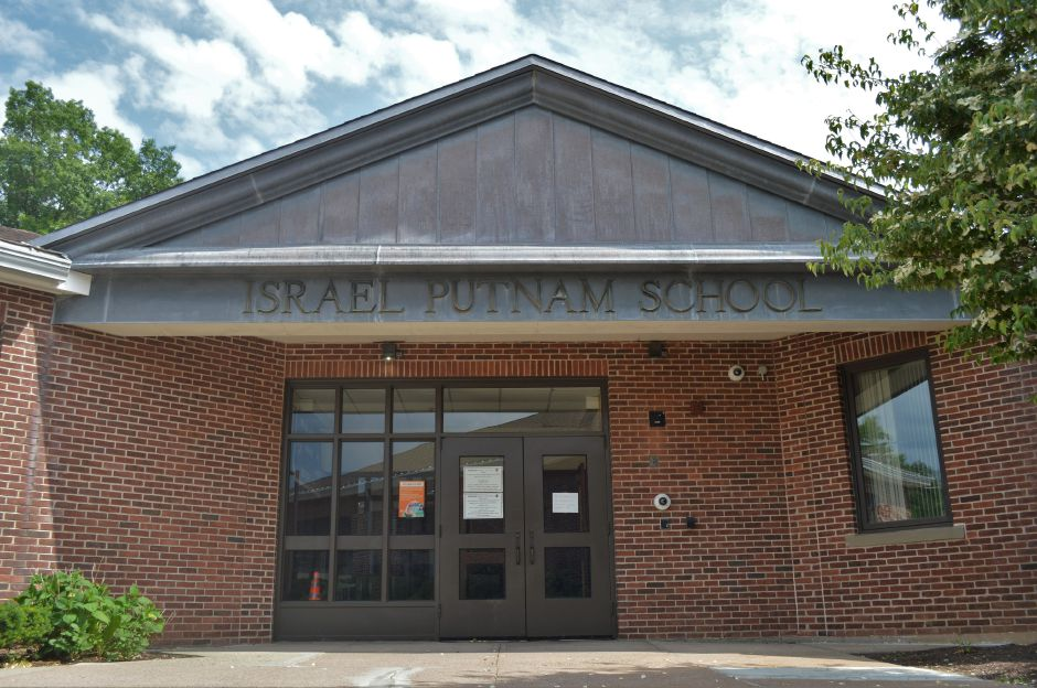 Israel Putnam Elementary School in Meriden. | Clare Dignan Special to the Record-Jounal