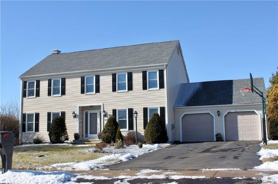 William Maffeo and Melissa Maffeo to Joseph Ryan, 211 Farm Meadow Lane, $443,000.