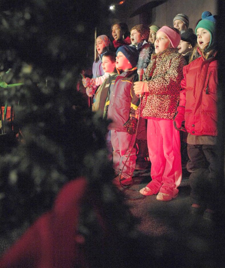 SOUTHINGTON, Connecticut - Thursday, December 6, 2007 - Children sing Christmas carols on the Faith Living Church