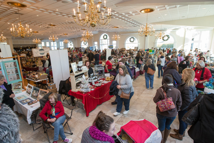 Holiday shoppers filled the Aqua Turf Sunday during the Connecticut Christmas Gift Show in Plantsville Dec. 4, 2016 | Justin Weekes / For the Record-Journal