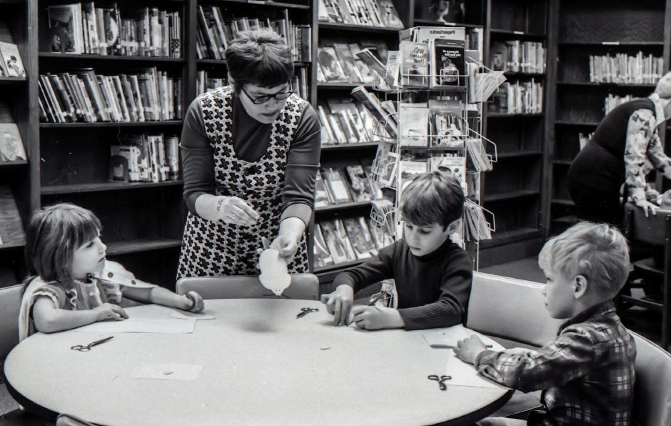 Students work no a project in the Pulaski School library in Meriden, March 1975.