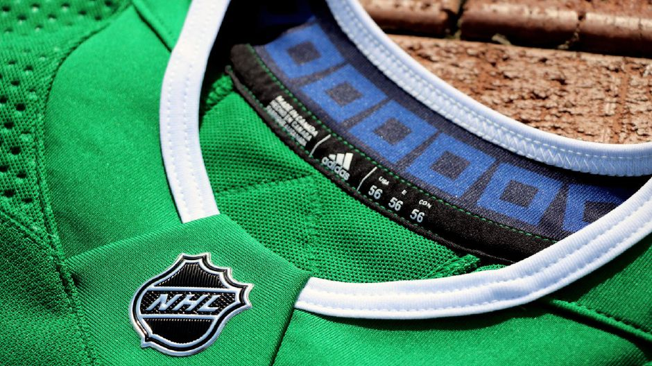 NHL s Hurricanes to bring back Whalers uniforms for 2 games 5d940c66f