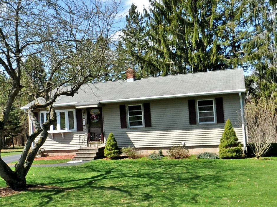 Concetta P. Getman, EST to Thomas McKay and Brianna Disbrow, 50 Byron Road, $154,000.