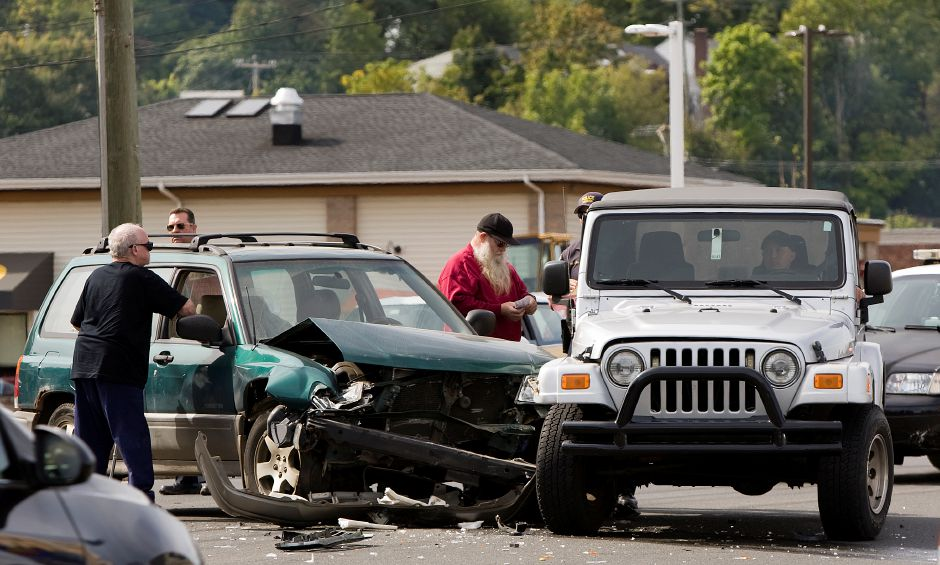 Two vehicles crashed on East Main Street in Meriden while in a traffic jam from an earlier accident on Route 15 north Friday, September 25, 2015. | Dave Zajac / Record-Journal