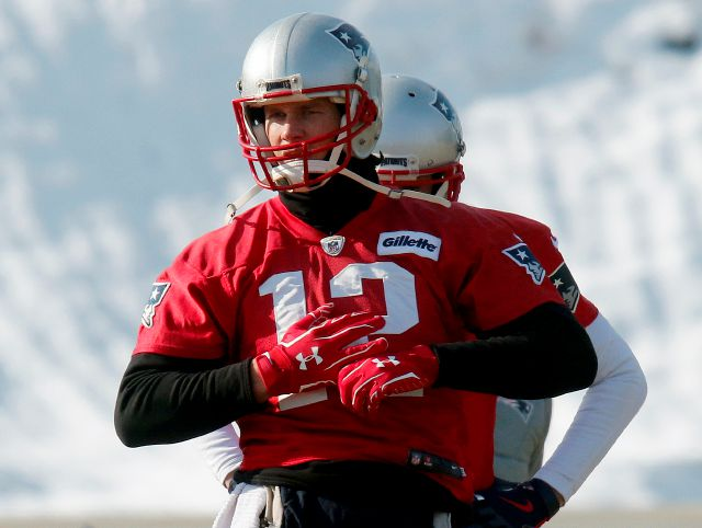 We'll have to wait until just before game-time to see if injured New England Patriots quarterback Tom Brady can throw the ball. Associated Press