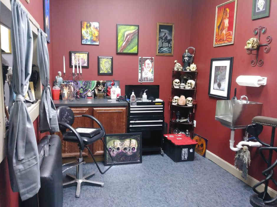 Tattoo room at Casanova Ink at 775 North Colony Road in Wallingford, Friday August 31, 2018. Jeniece Roman, Record-Journal.