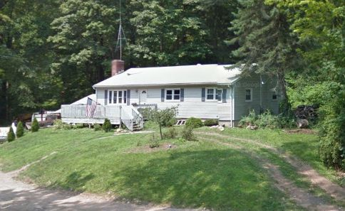 Nicholas Ferraro to Cassandra Epifano and Angelo Epifano, 67 Parker Farms Road, $243,500.