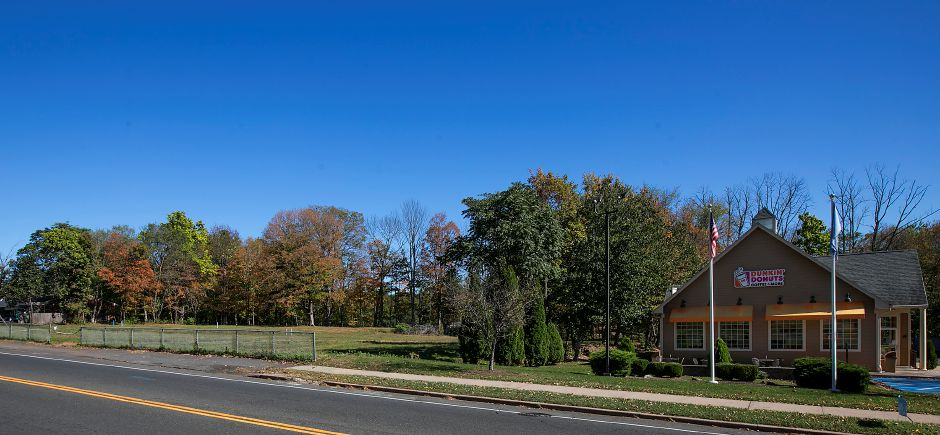 Future site of a medical office building next to Dunkin Donuts on South Main Street in Cheshire, Tuesday, October 17, 2017.    | Dave Zajac, Record-Journal