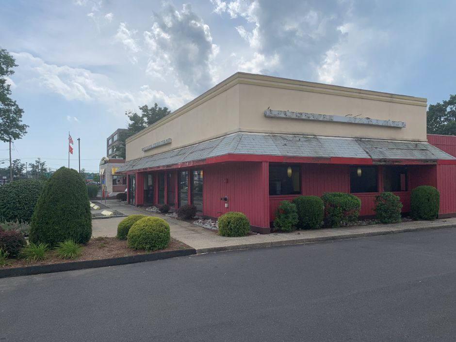 Former Boston Market on Washington Avenue in North Haven. First Selectman Michael Freda says two different restaurant owners have expressed interest in the space. | File photo.