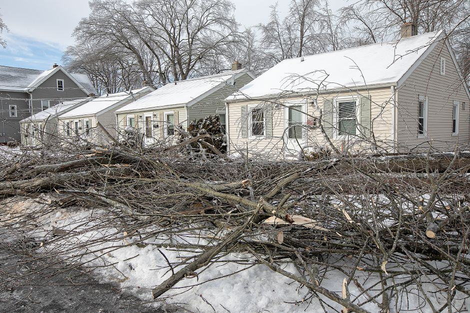 A fallen tree just missed this residence at 32 High St. in Wallingford, Mon. Jan. 21, 2019. Dave Zajac, Record-Journal