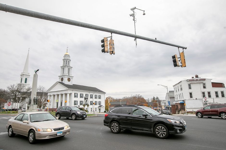 Motorists travel on Broad Street at East Main Street in Meriden, Thurs., Nov. 7, 2019. Dave Zajac, Record-Journal