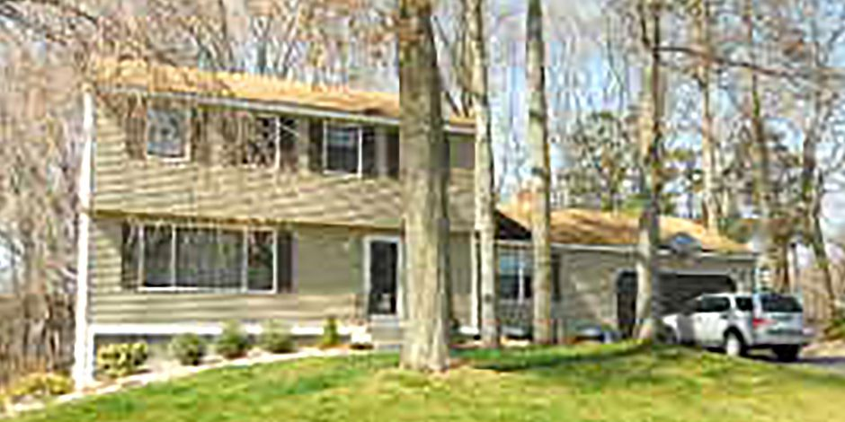 James C. Schaff and Janice R. Schaff to Christopher L. Bolduc, 230 Sharon Drive, $310,000.