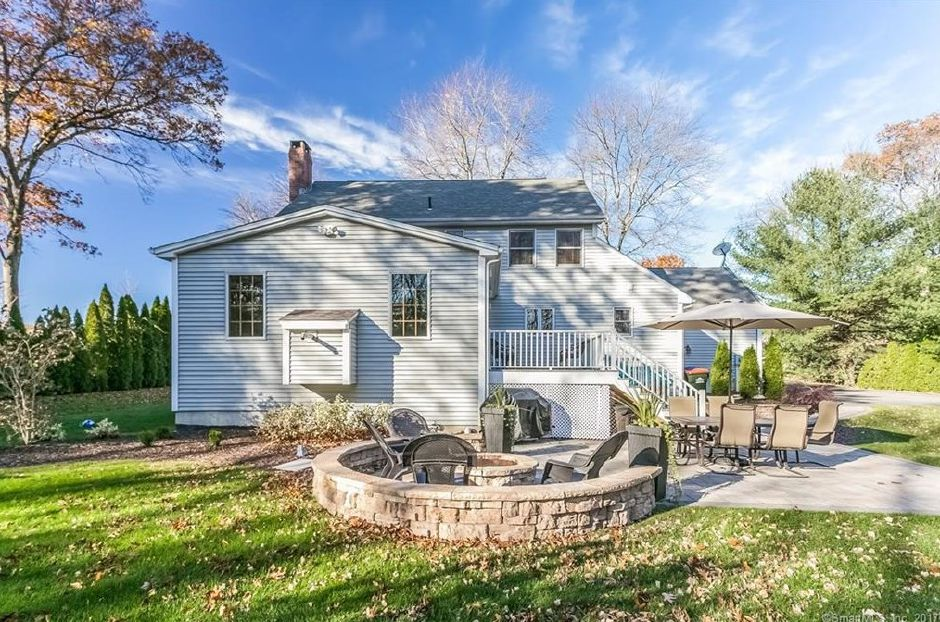 ON THE MARKET: A 10-bedroom Southington colonial with an open ...