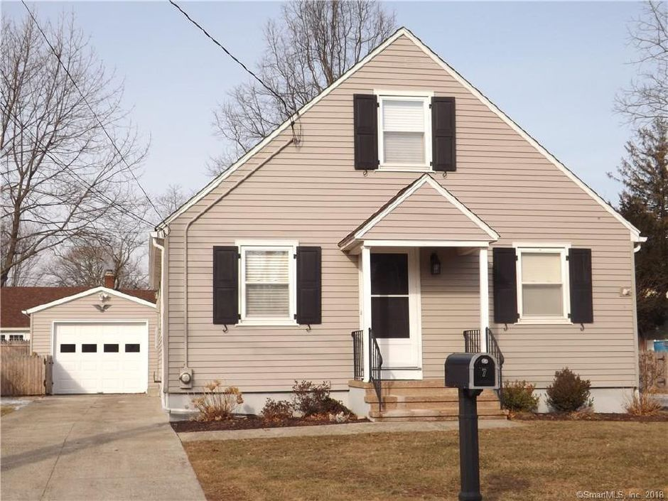Mellicent Masse to Lorraine Johnson and Howarfd Mcsparren, 7 Grandview Ave., $280,000.