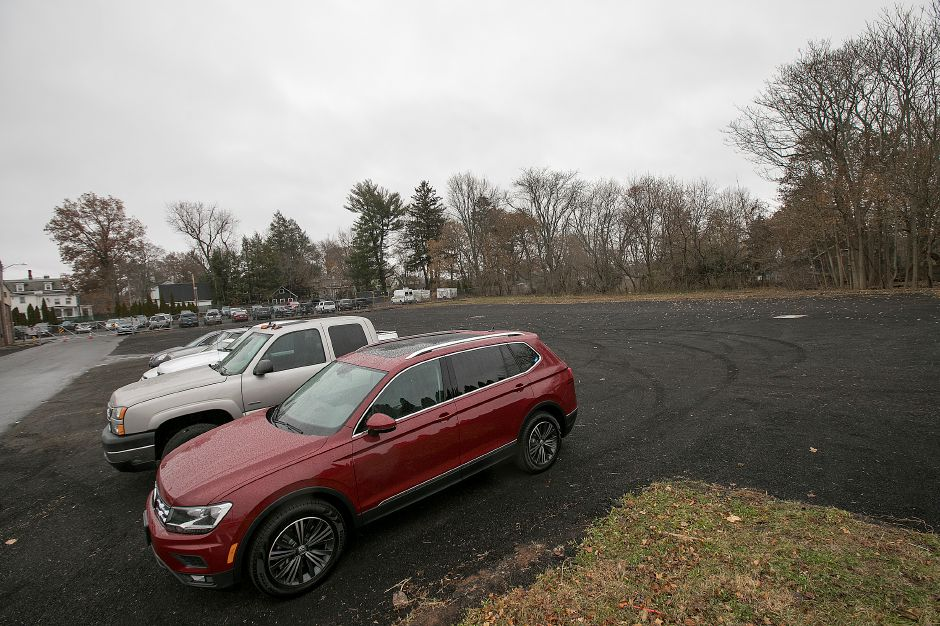 View of the new public parking lot at the end of Wallace Avenue in Wallingford, Tuesday, Dec. 5, 2017. Dave Zajac, Record-Journal