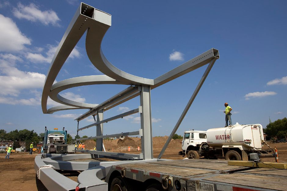 The middle section of a 300-foot pedestrian bridge arrives at the Hub park in downtown Meriden, Tuesday, September 1, 2015. | Dave Zajac / Record-Journal