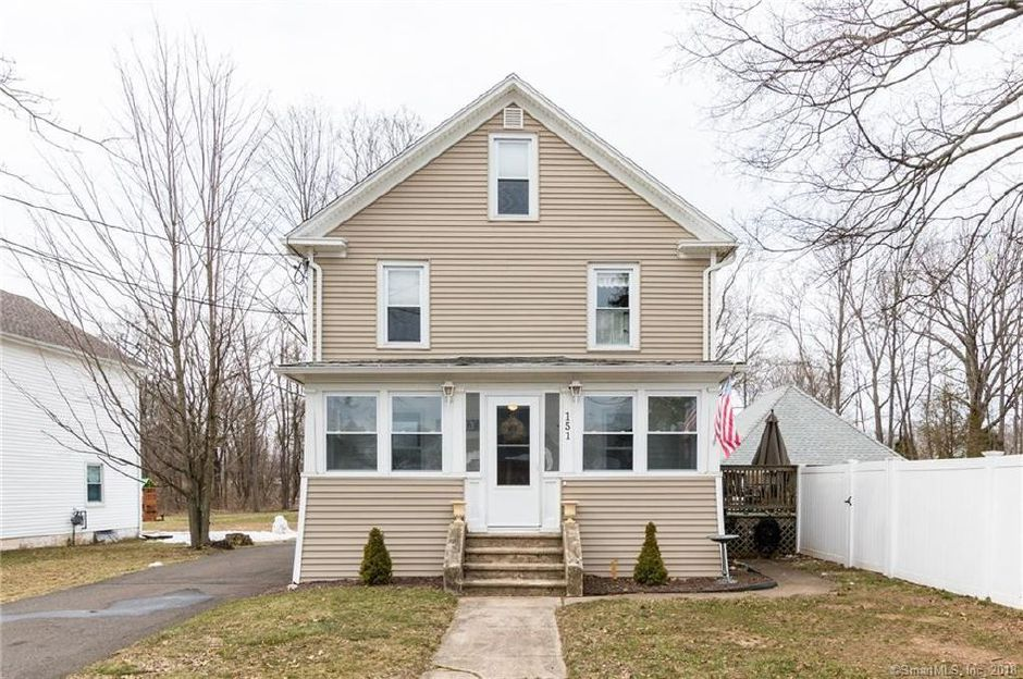 Michael Cozzolino to Julie Mcmahon and Michael Mcmahon, 151 Mulberry St., $238,000.