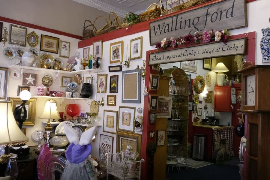 Consignment goods and handcrafted items can be found at Cindy