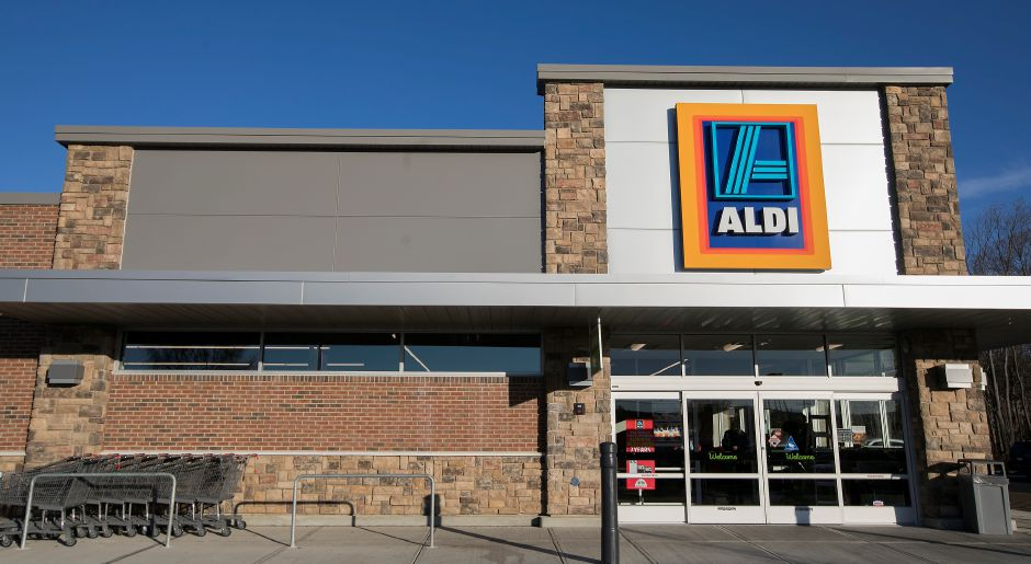 The new Aldi store at 811 Queen St. in Southington, Friday, Nov. 10, 2017. | Dave Zajac, Record-Journal