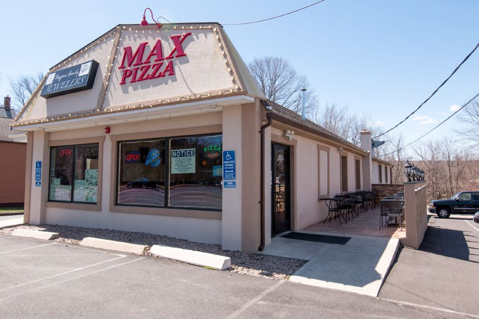 Max Pizza 6 in Southington held its grand opening Thursday, April 20, 2018. The chain has six locations throughout the state. | Devin Leith-Yessian/Record-Journal