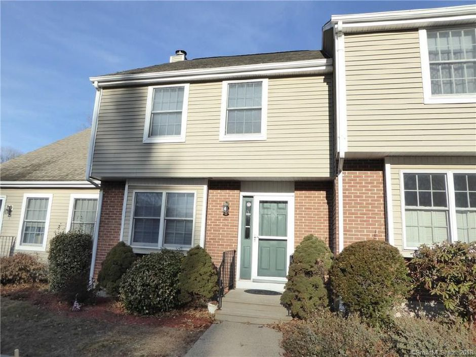 Lori Fomenko and Lori Okeefe to Christopher Monroe, 175 Berlin Ave. Unit 2, $196,000.