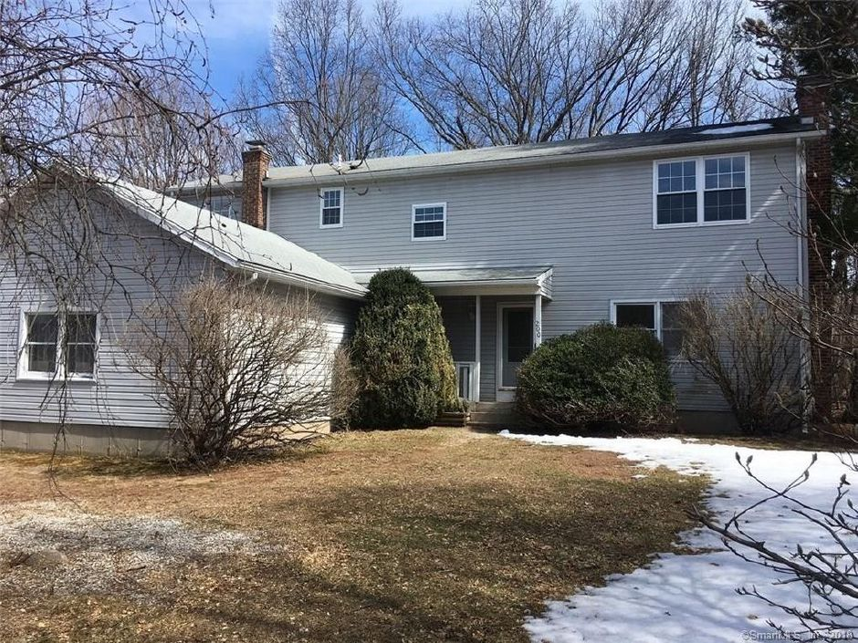 Christopher Murphy and Margaret M. Dwyer to MTGLQ Investors LP, 200 Alexander Drive, $270,000.