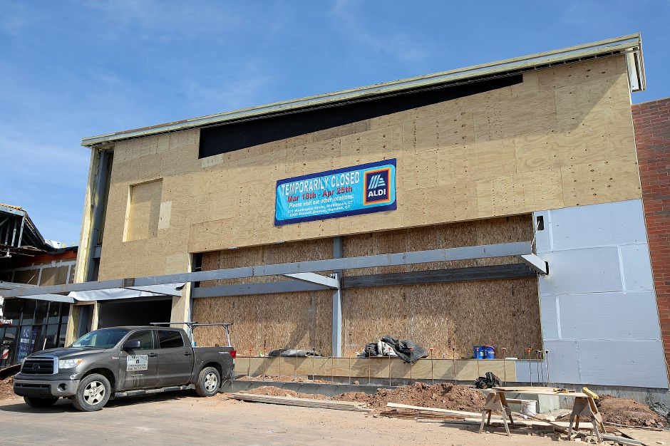 Construction continues at Aldi in Wallingford, Wed., Mar. 27, 2019. Dave Zajac, Record Journal