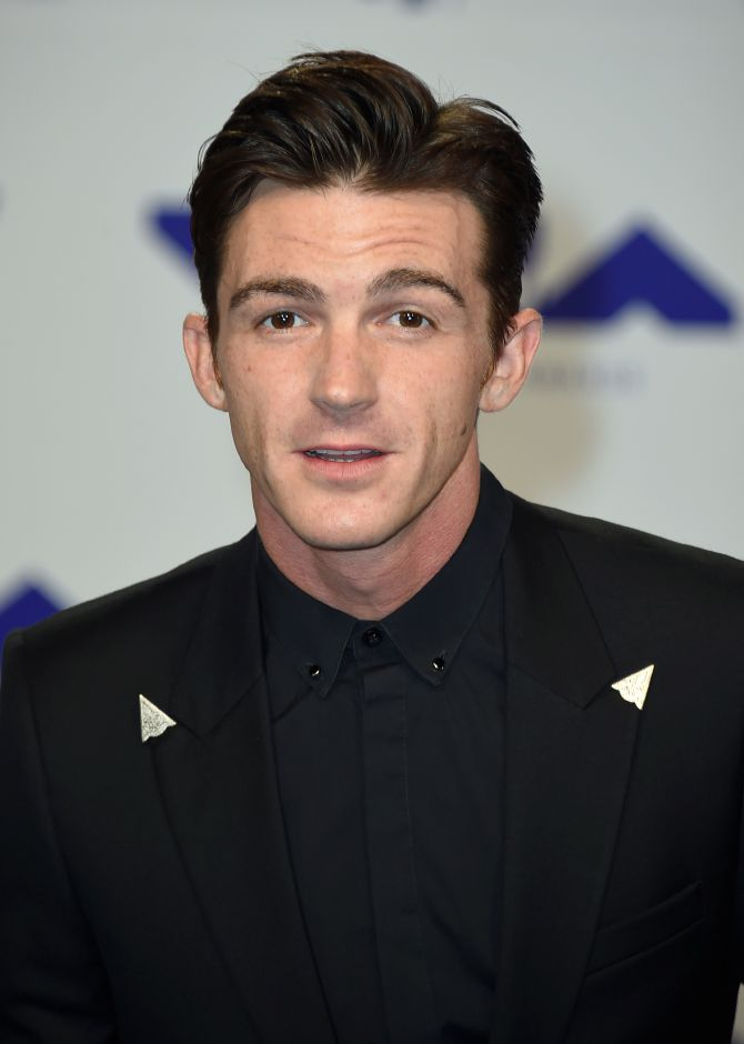 Drake Bell arrives at the MTV Video Music Awards at The Forum on Sunday, Aug. 27, 2017, in Inglewood, Calif. (Photo by Jordan Strauss/Invision/AP)
