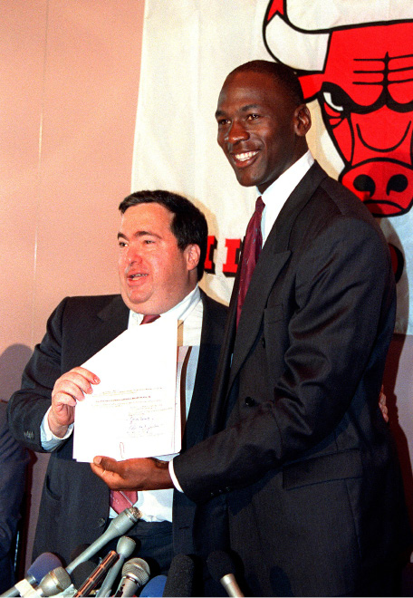 FILE - In this Sept. 21, 1988, file photo, Chicago Bulls