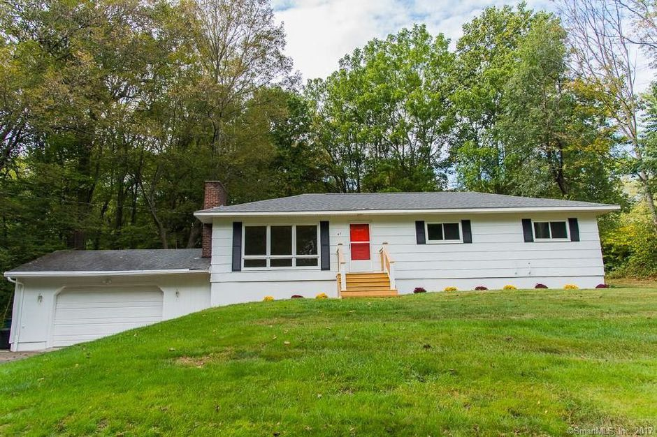 Harry Black Sr. Est. and David Black to Walter Teter and Kathleen Teter, 45 Hickory Lane, $209,000.