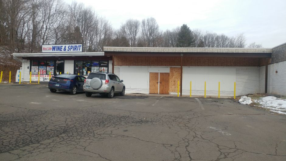 A grocery store is scheduled to open at 10 Hope Hill Road in Wallingford in mid-June. | Devin Leith-Yessian/Record-Journal