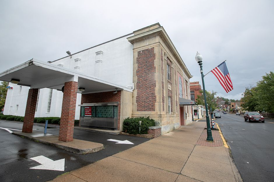 The Bank of America drive-thru at 100 Center St. in Wallingford, Tuesday, Sept. 18, 2018. Bank of America has closed the branch and plans to sell the downtown building. Dave Zajac, Record-Journal