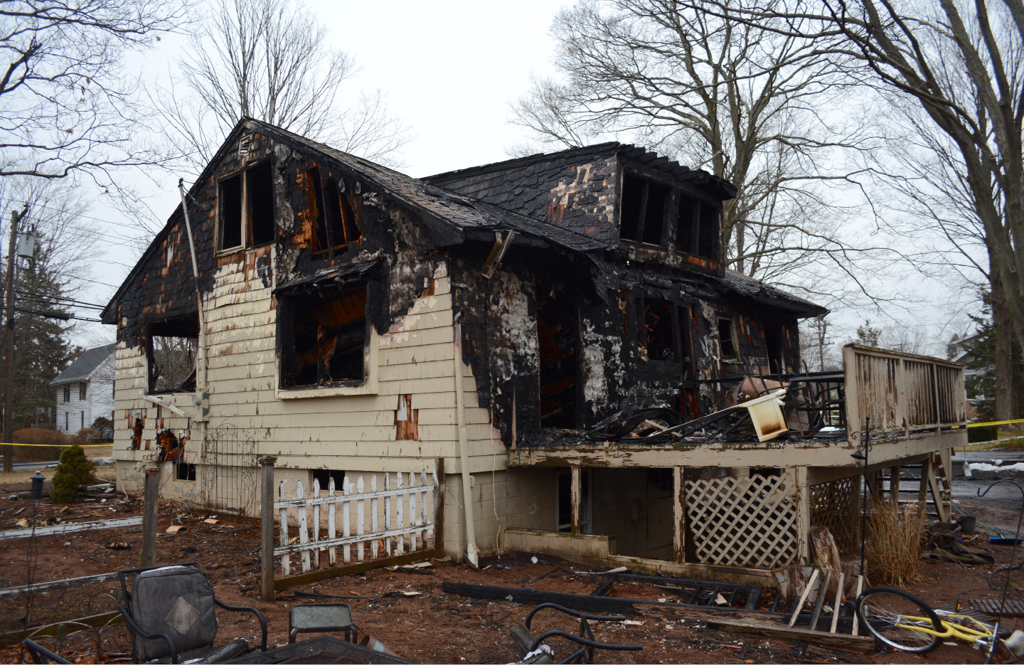 SOUTHINGTON — A firefighter suffered a minor injury at a