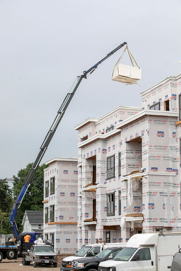 Construction continues on Parker Place Apartments in Wallingford, Tuesday, Sept. 11, 2018. Dave Zajac, Record-Journal