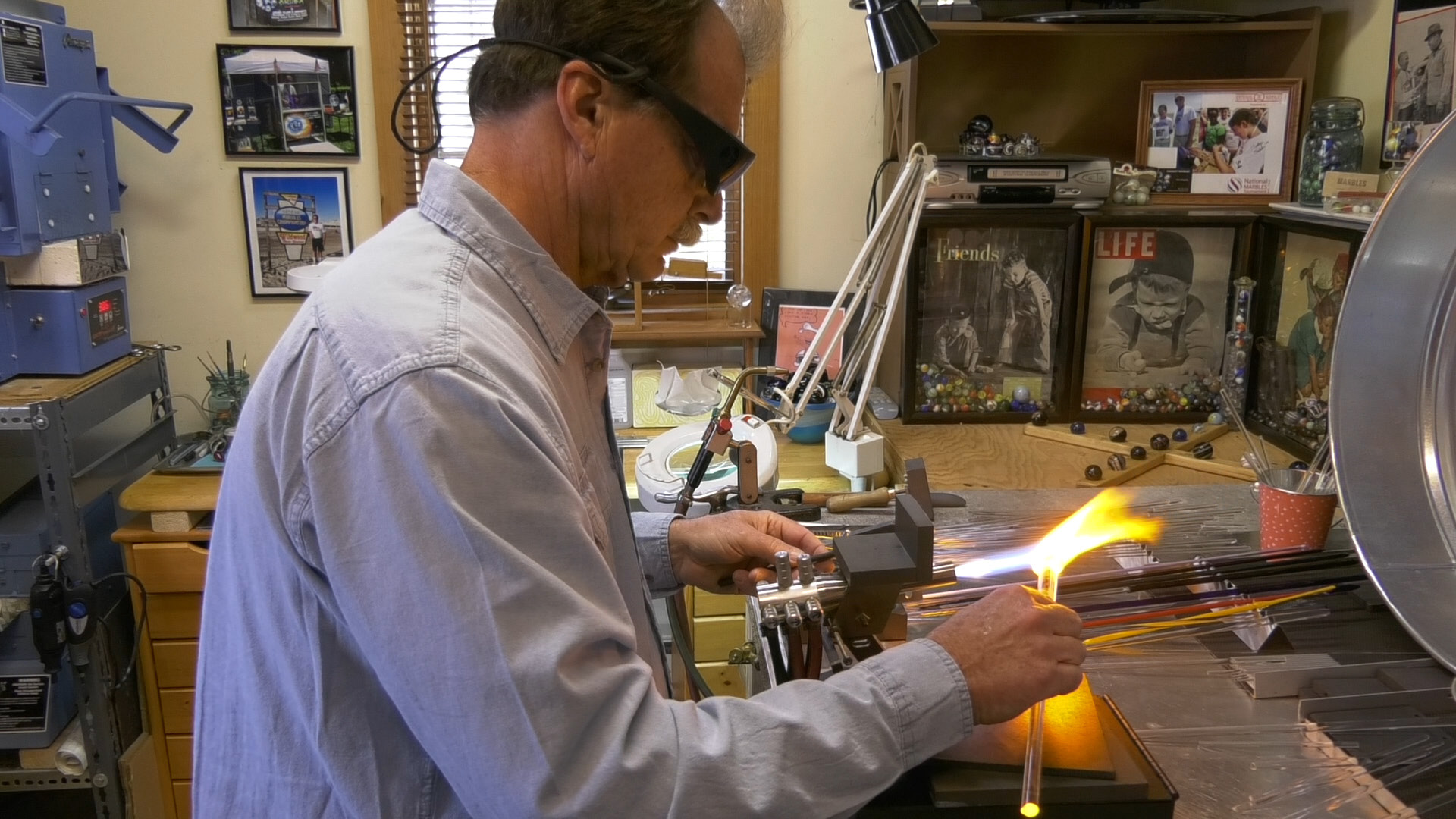 Tom Kingsley, of Trumbull, makes a marble in his studio on Sunday, March 19, 2017. | Pete Paguaga, Record-Journal