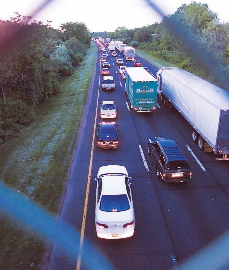 Traffic in the north bound lane is backed up as seen from the Carpenter Lane overpass in Wallingford Fri., May 21, 1999 because of a multi-fatal car accident in the south-bound lane near Millbrook Rd. in Meriden.