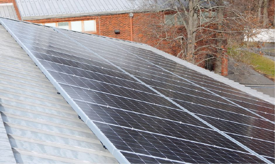 Solar panels atop Washington Middle School. | Photo courtesy of Erik Linden and NRG
