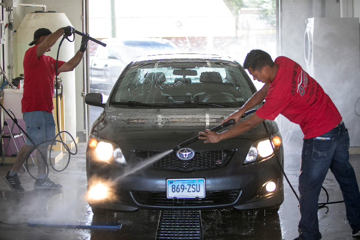 Hand Wash Car Wash >> Southington A New Car Wash Opened This Week On Queen Street