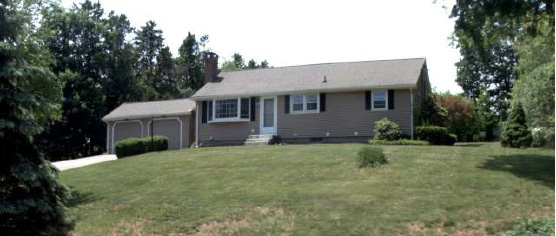Mark Miller to Lauren A. Cwikla, 596 Andrews St., $285,000.