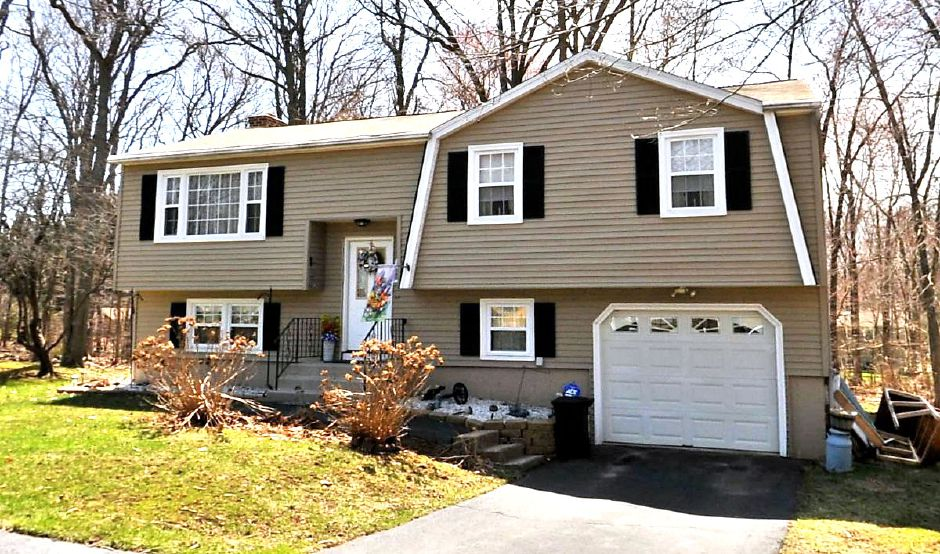 Margaret M. Dipersio to Daniel Terribile and Nina Terribile, 13 Deer Run Road, $185,238.